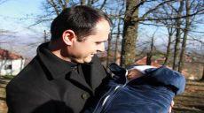 Prifti katolik Stavilecit: Mos u përziejë aty ku nuk të takon