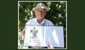 Preng LLeshaj, një tetëdhjetëvjetor të ngritur me krenari
